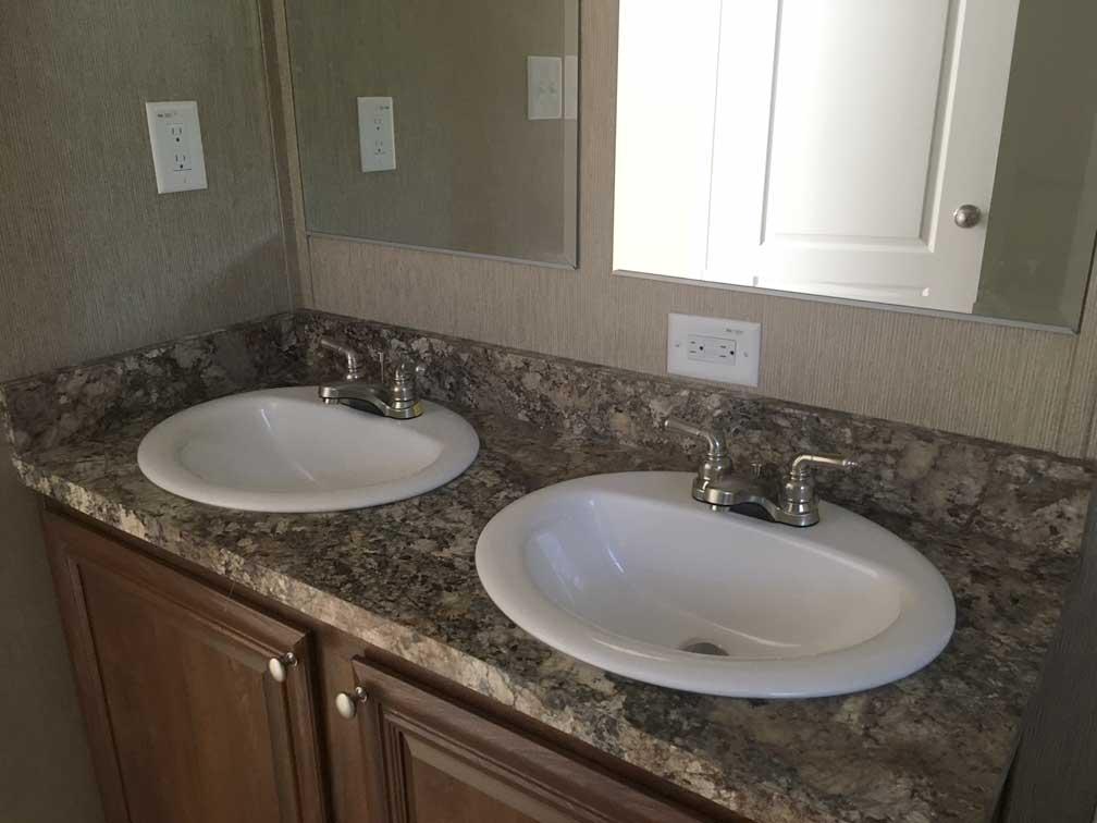 Palmetto Singlewide Bathroom