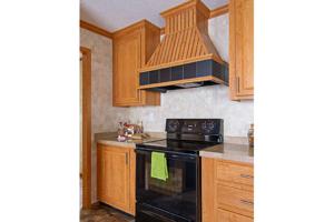 Conover-kitchen-hood